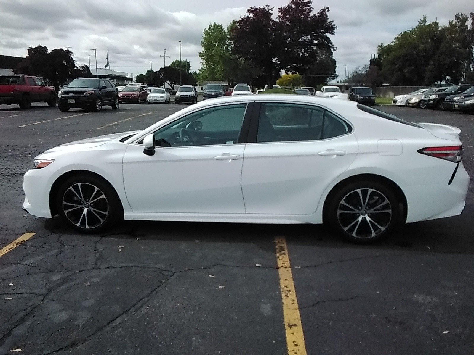 Pre-Owned 2019 Toyota Camry L